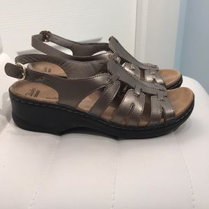 Clarks Collection soft cushion leather sandals. 8M